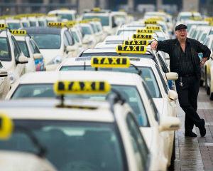 Изображение - Выгодно ли работать в такси на своей машине taxi-2-300x240